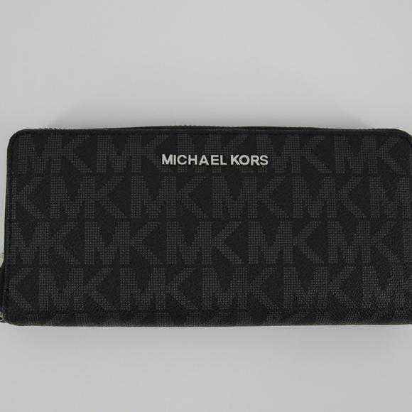 5322ddc649e4 Michael Kors Bags | Jet Set Travel Wallet | Poshmark